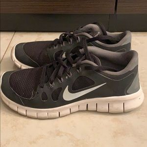 Nike Free Athletic Shoes Y
